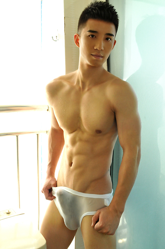 naked asian pictures male